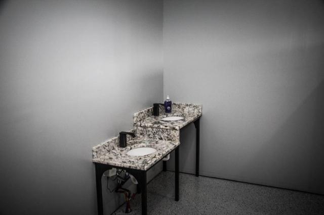 Osceola Ski & Sport Resort: Men's Room Sink