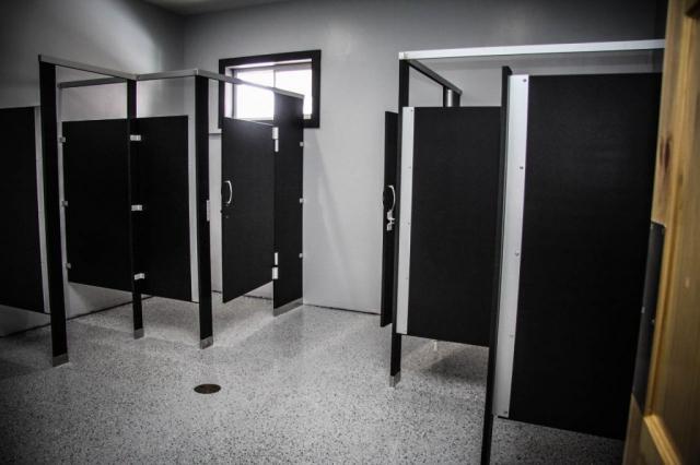 Osceola Ski & Sport Resort: Men's Changing Room View